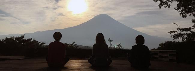 富士山麓の自然の中で「睡眠」を考える